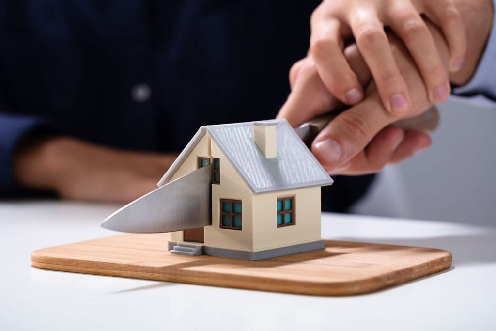 keep house or sell in divorce