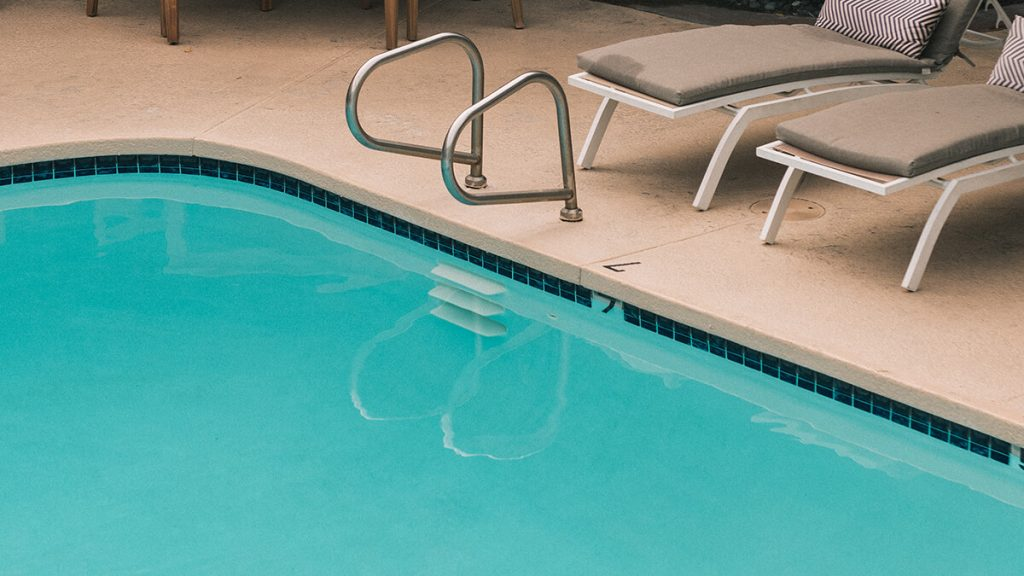 does a swimming pool increase home value