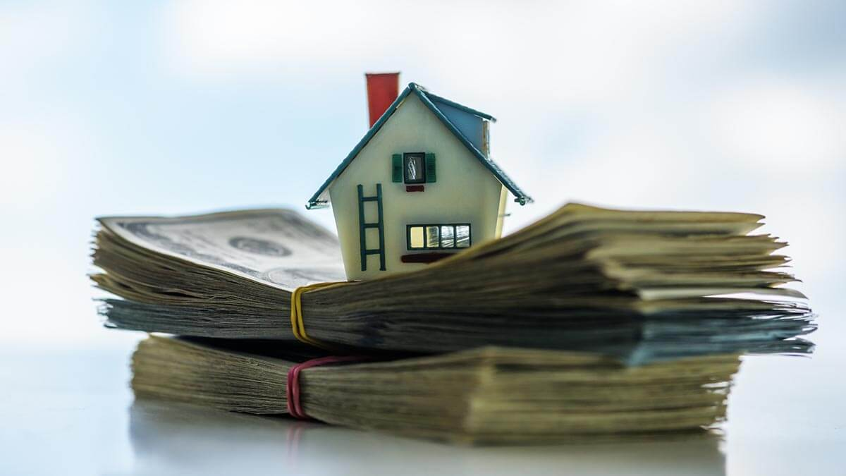 What Is a Cash Offer on a House?