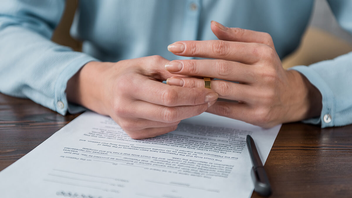 A Complete Guide to Do-it-Yourself Divorce