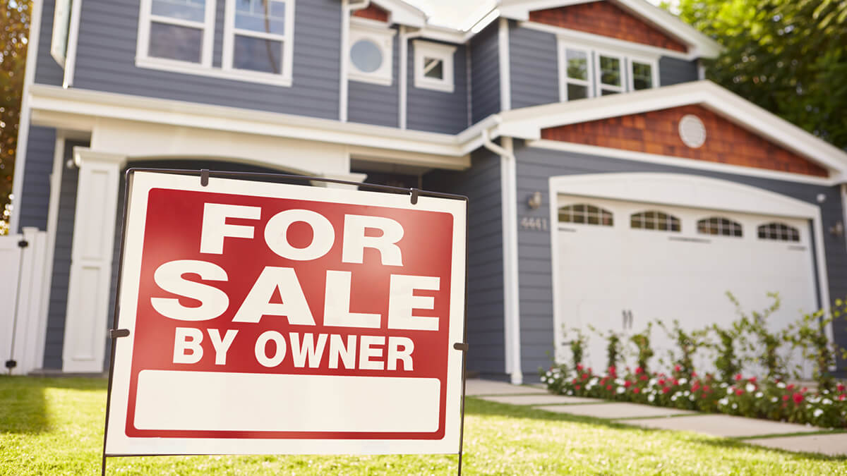 How to Sell Your House While Still Living in It